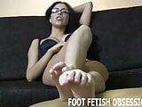 I need my feet worshiped daily